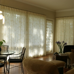 2-Drapes-and-Roman-Shade-1